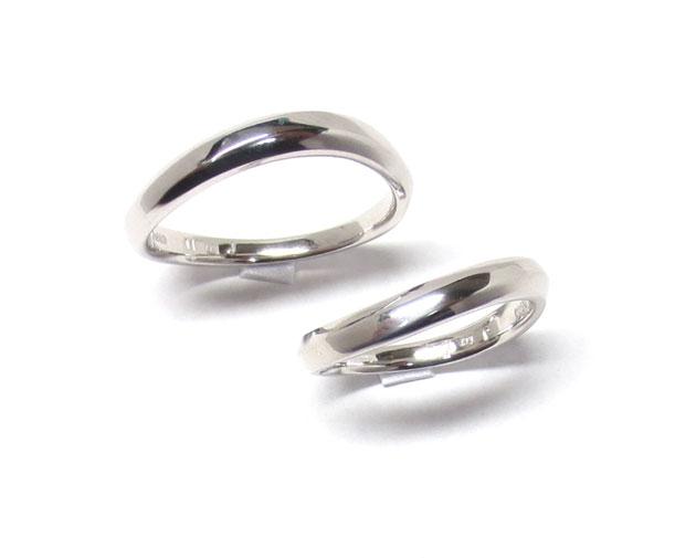 リングリフォーム(指輪作り換え後・完成品)のメンズ・レディイス(男性用・女性用)リング、上からの画像