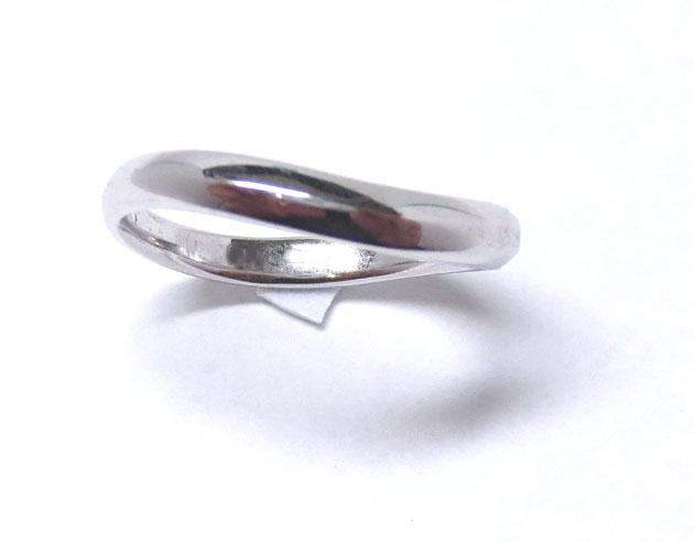 リングリフォーム(指輪作り換え後・完成品)のメンズ・レディイス(男性用)リング、真上からの画像
