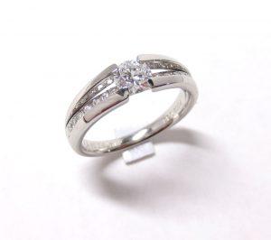 ダイヤリング・ツーブロックセッティング・横からダイヤが見えるデザイン・プラチナ900 2