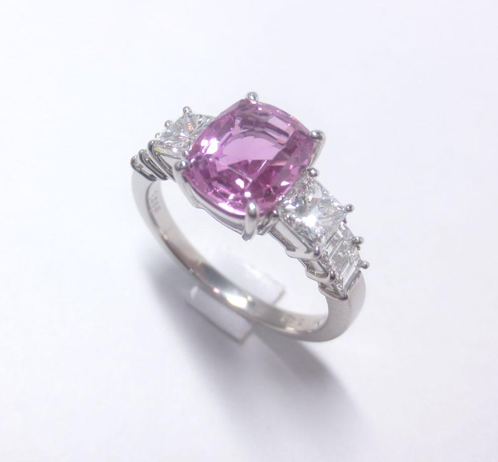 ピンクサファイヤリング・角ダイヤ付きプラチナ900製デラックス枠3