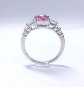 ピンクサファイヤリング・角ダイヤ付きプラチナ900製デラックス枠2