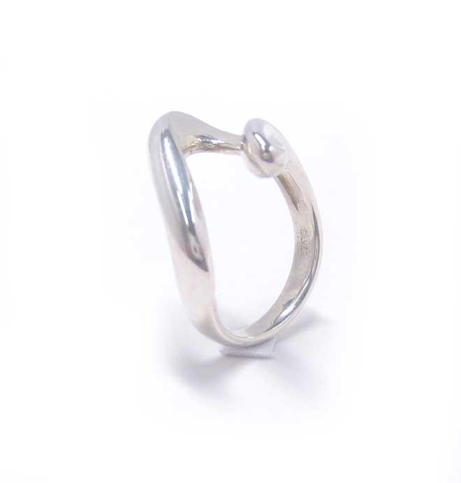 ジュエリーリフォーム用マルチリング枠。ダイヤはもちろんの事、どんなカッティングの宝石達も綺麗にセッティングできます。ベースリング画像3