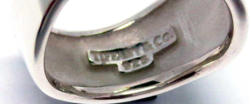 ティファニィーシルバー925製リング画像_ブランドロゴ
