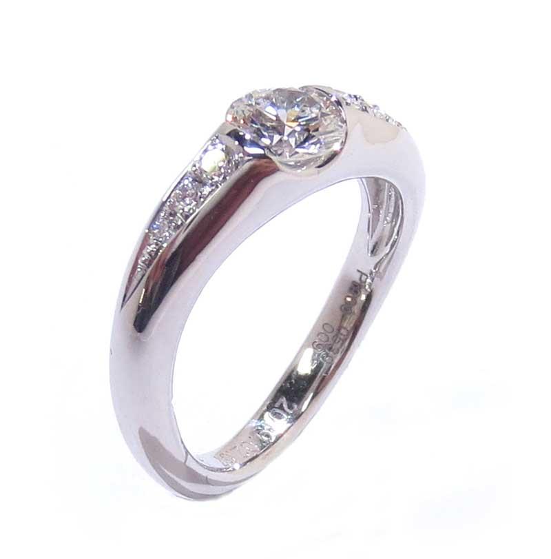 リフォーム後の婚約指輪・プラチナ製・ダイヤリング・埋め込みタイプ-3