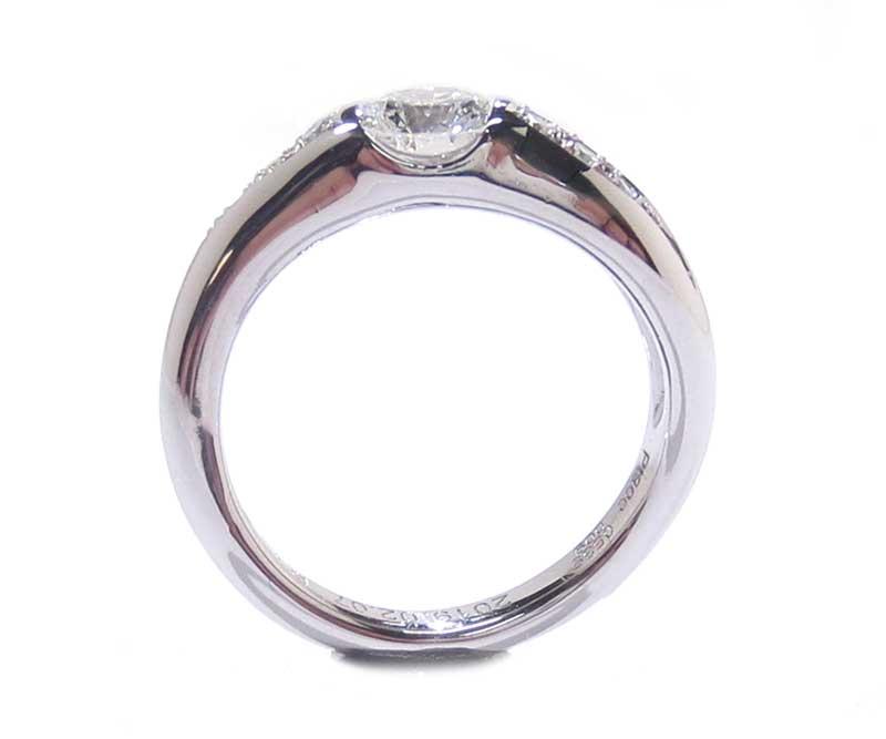 リフォーム後の婚約指輪・プラチナ製・ダイヤリング・埋め込みタイプ-2