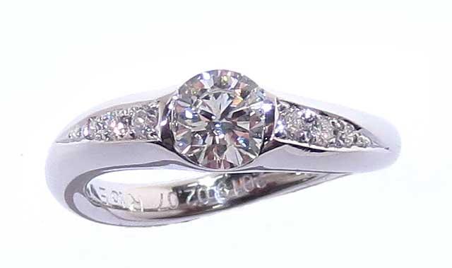 リフォーム後の婚約指輪・プラチナ製・ダイヤリング・埋め込みタイプ-1